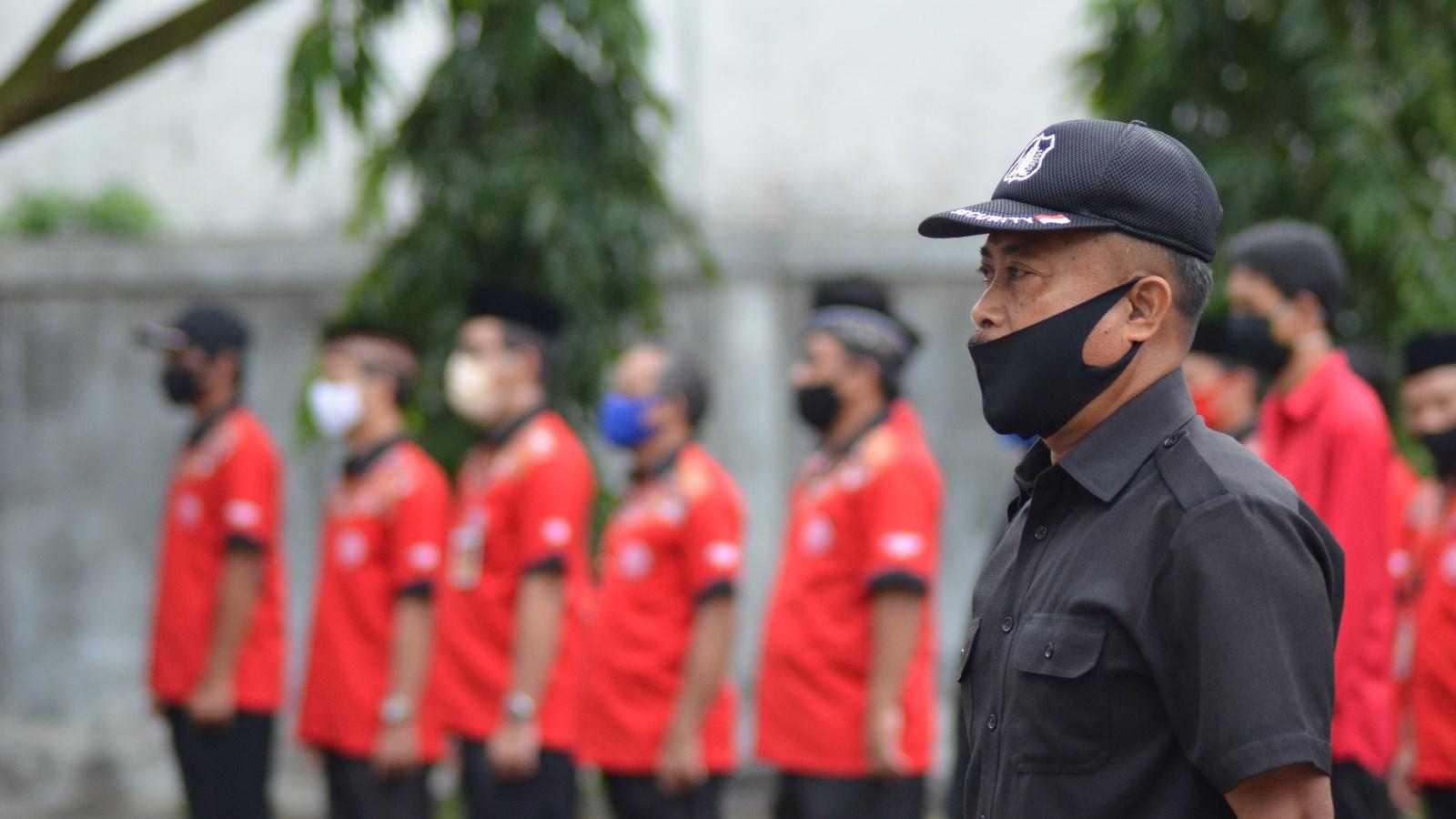 Komandan upacara Yutikno dalam Peringatan Detik-detik Proklamasi Kemerdekaan ke-75 RI di Universitas Mulia. Foto: Biro Media