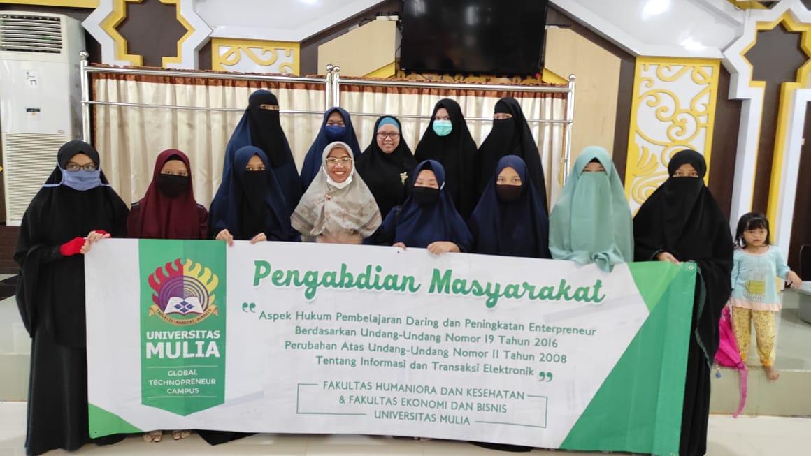 Foto bersama Thafidz Qur'an Putri Masjid Istiqamah