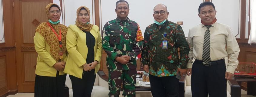 Foto bersama Pangdam VI/Mulawarman Mayjen TNI Heri Wiranto, Senin (23/11)