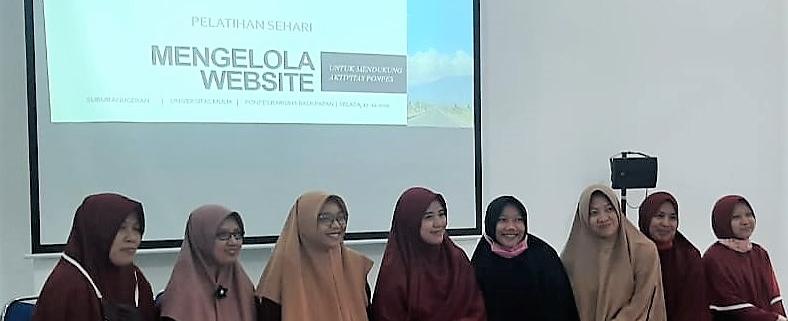Foto bersama usai pelatihan mengelola website bagi pesantren di Balikpapan, Selasa (17/11). Foto: Istimewa