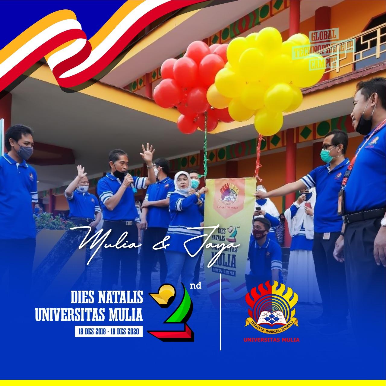 Pelepasan balon oleh Rektor dan Ketua Yayasan Airlangga di halaman Kampus Cheng Ho UM, Jumat (18/12). Foto: Biro Media Kreatif