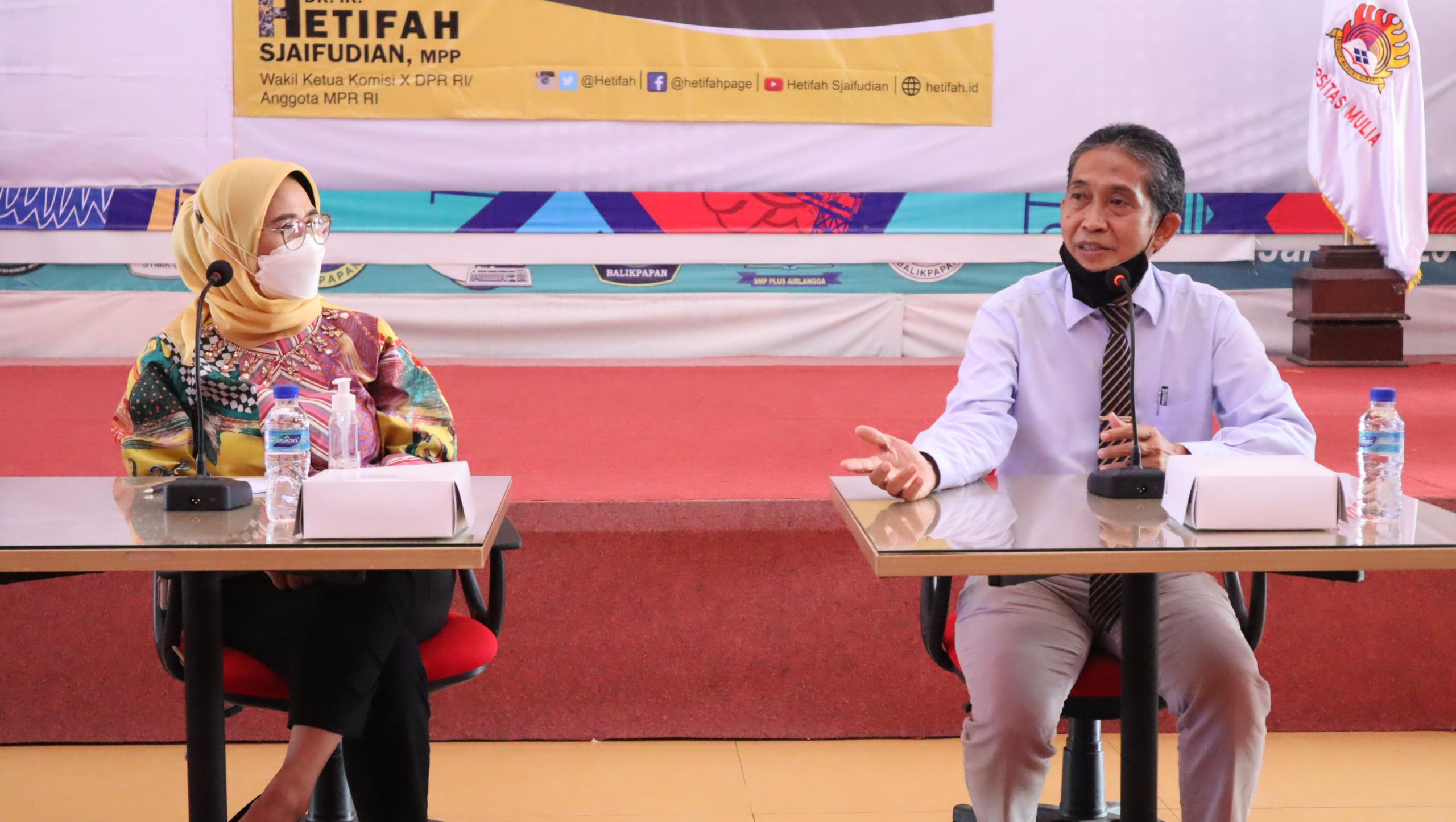 Dr. Ir. Hetifah Sjaifudian, MPP bersama Rektor Universitas Mulia Dr. Agung Sakti Pribadi, S.H., M.H.