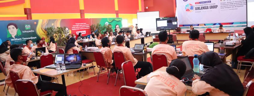 Suasana Raker 2021 yang berlangsung di Aula Kampus Cheng Ho Universitas Mulia, Rabu (24/2). Foto: Nadya