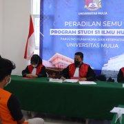 Mahasiswa Program Studi (Prodi) S1 Ilmu Hukum Fakultas Humaniora dan Kesehatan (FHK) Universitas Mulia mengikuti Praktik Peradilan Semu sejak 3 April hingga 17 April lalu di kampus Universitas Mulia
